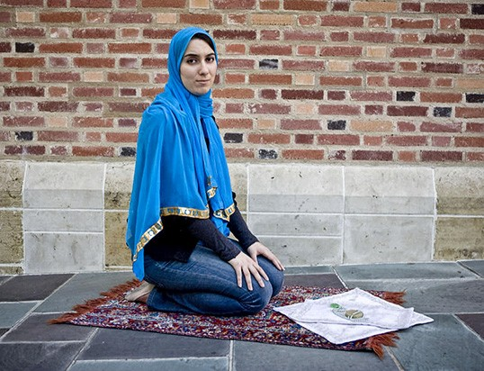 PhotographerL Ramin Talaie --- Subject: Beeta Baghoolizadeh, UCLA senior, Muslim, and President of the largest Iranian student organization in the country: the UCLA Iranian Student Group (ISG) . --- November 2009