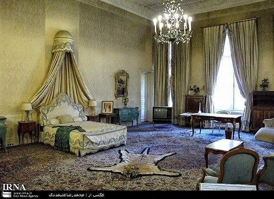 Farah's resting room in the Palace of Nation