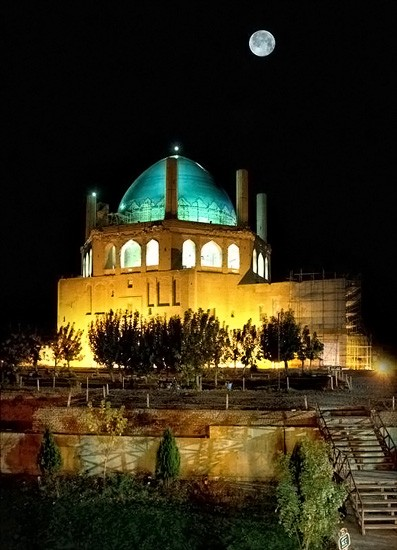 Soltaniyeh the largest brick dome in the world under the full Moon
